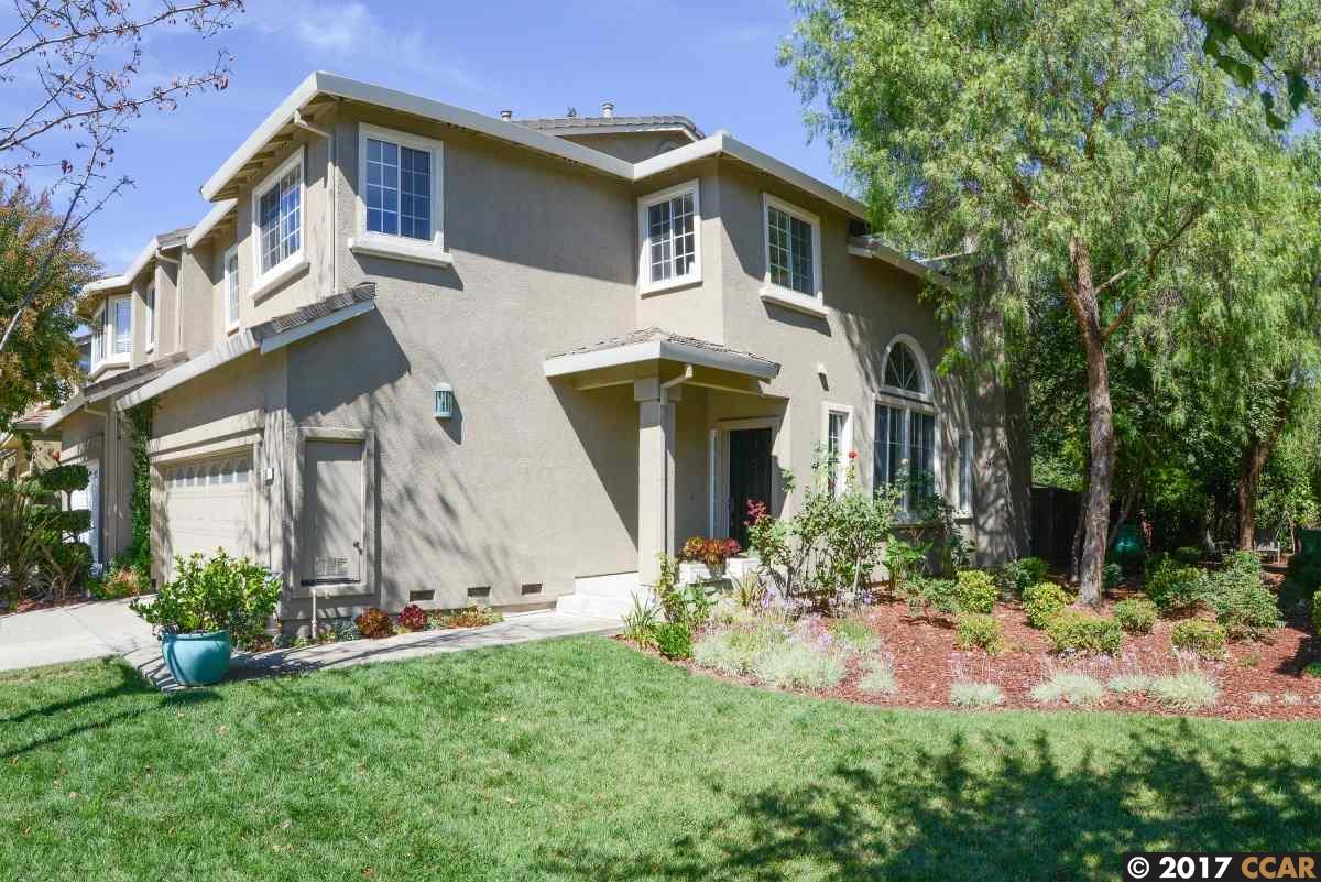 Casa unifamiliar adosada (Townhouse) por un Venta en 208 Forest Creek Lane 208 Forest Creek Lane San Ramon, California 94583 Estados Unidos