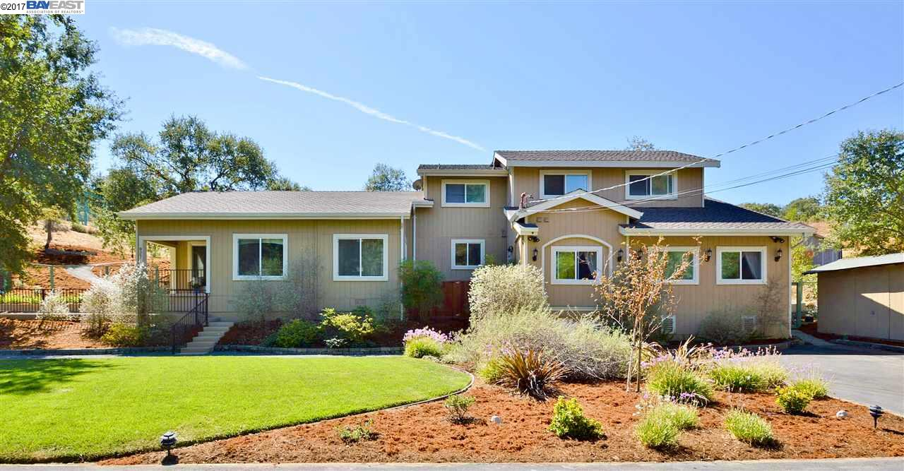 Single Family Home for Sale at 927 Happy Valley Road 927 Happy Valley Road Pleasanton, California 94566 United States