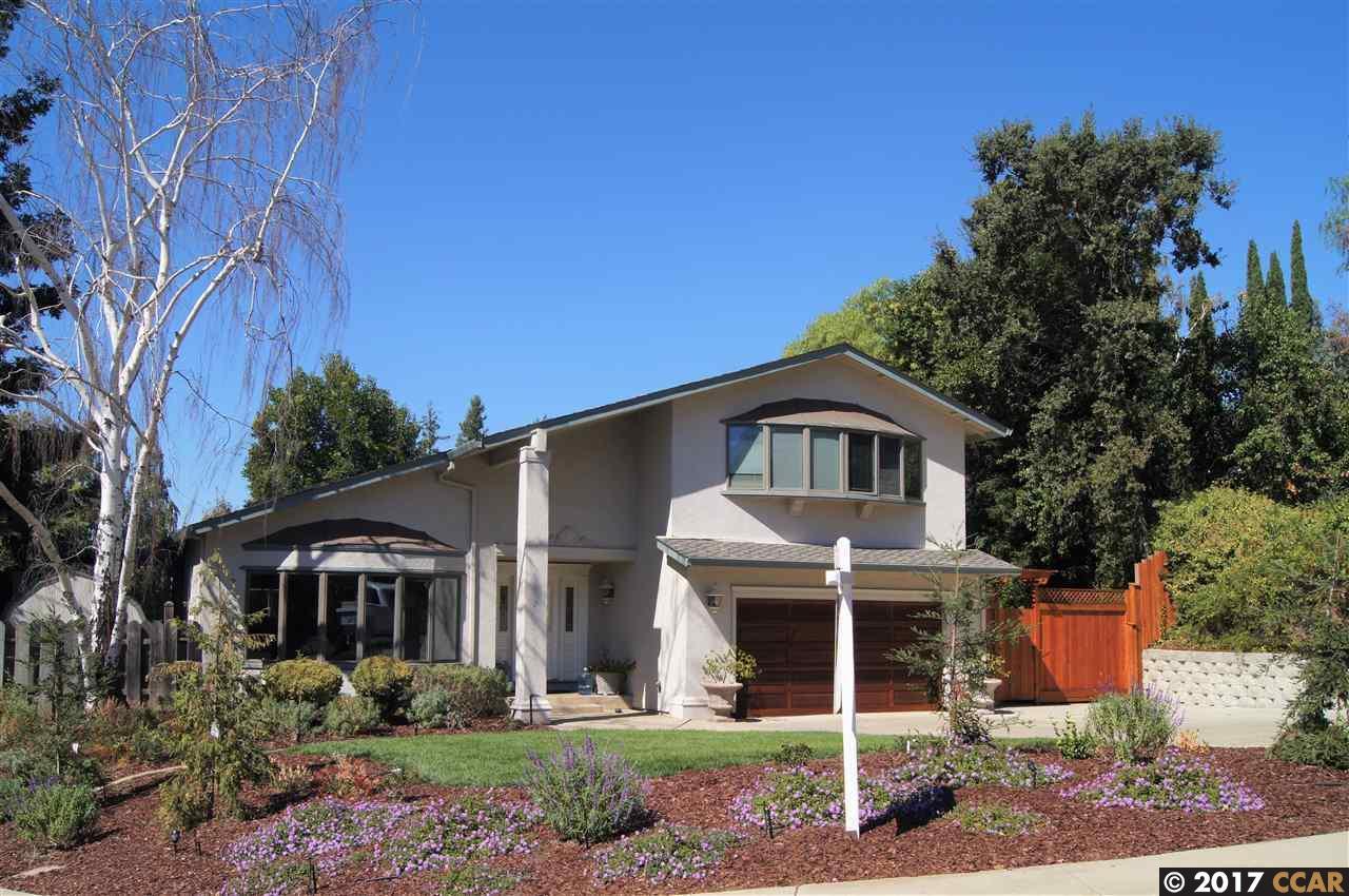 Single Family Home for Sale at 426 Grenache Circle 426 Grenache Circle Clayton, California 94517 United States