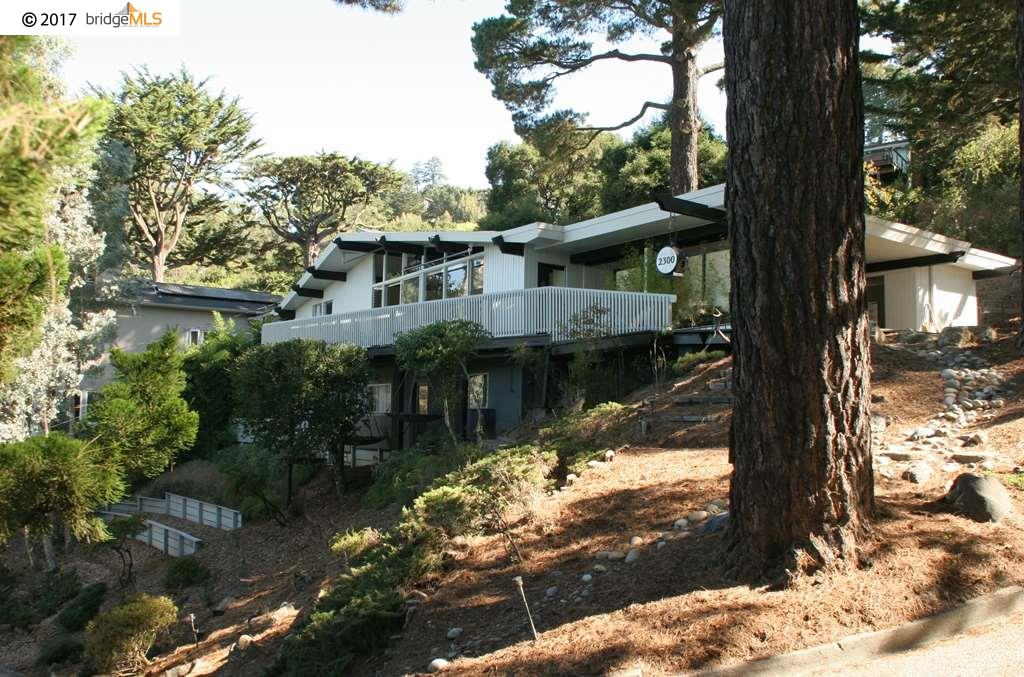Single Family Home for Sale at 2300 Mastlands Drive 2300 Mastlands Drive Oakland, California 94611 United States