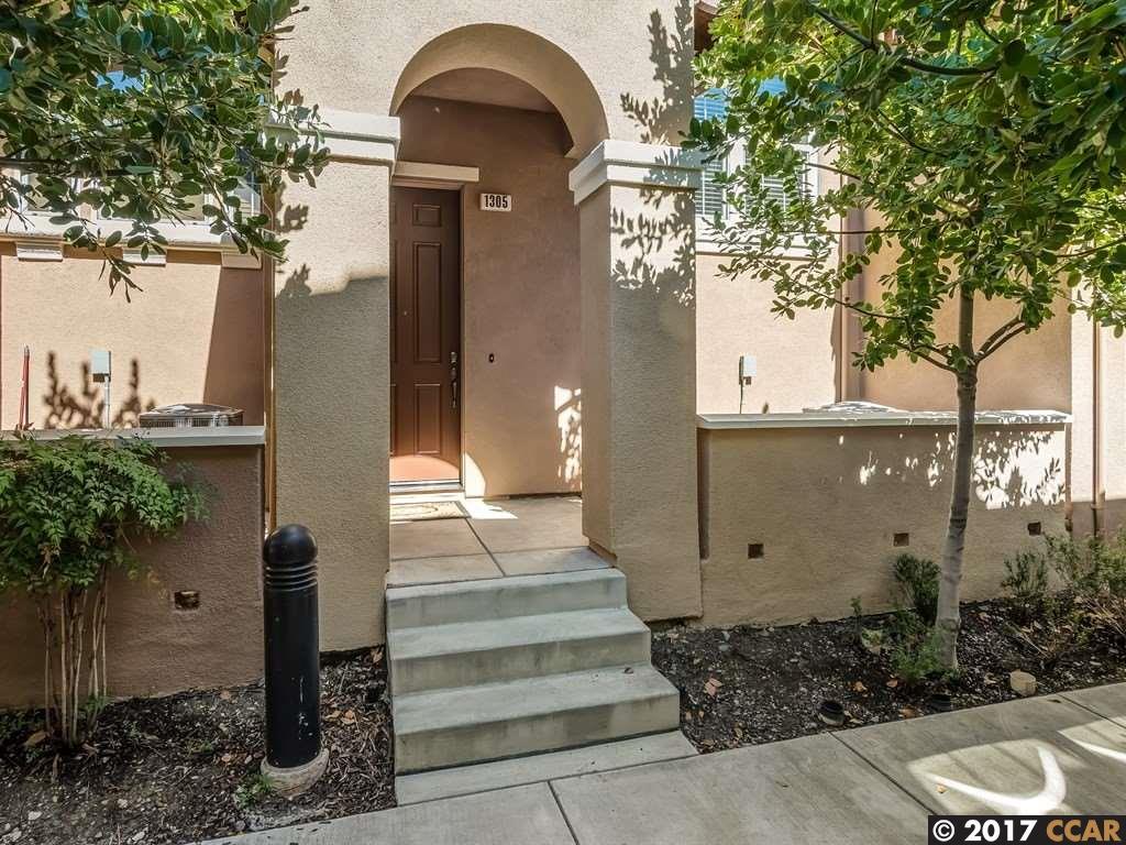 Maison accolée pour l Vente à 1305 Trailside Circle 1305 Trailside Circle Concord, Californie 94518 États-Unis