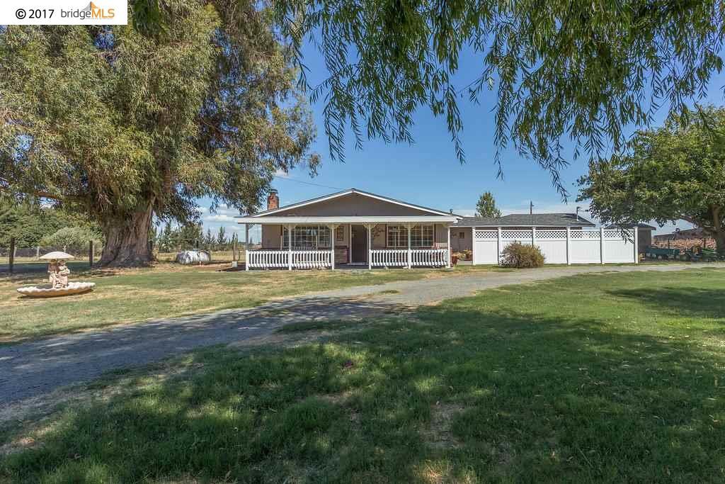 Частный односемейный дом для того Продажа на 2111 Taylor Road 2111 Taylor Road Bethel Island, Калифорния 94511 Соединенные Штаты