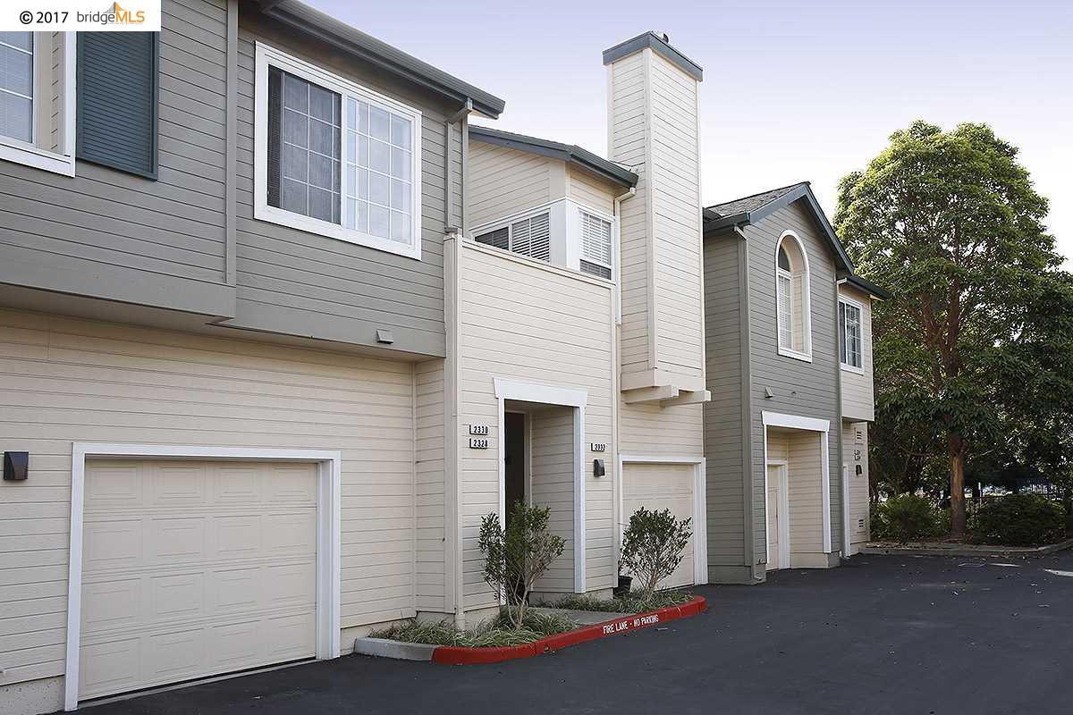 Casa unifamiliar adosada (Townhouse) por un Venta en 2332 Dolphin Drive 2332 Dolphin Drive Richmond, California 94804 Estados Unidos