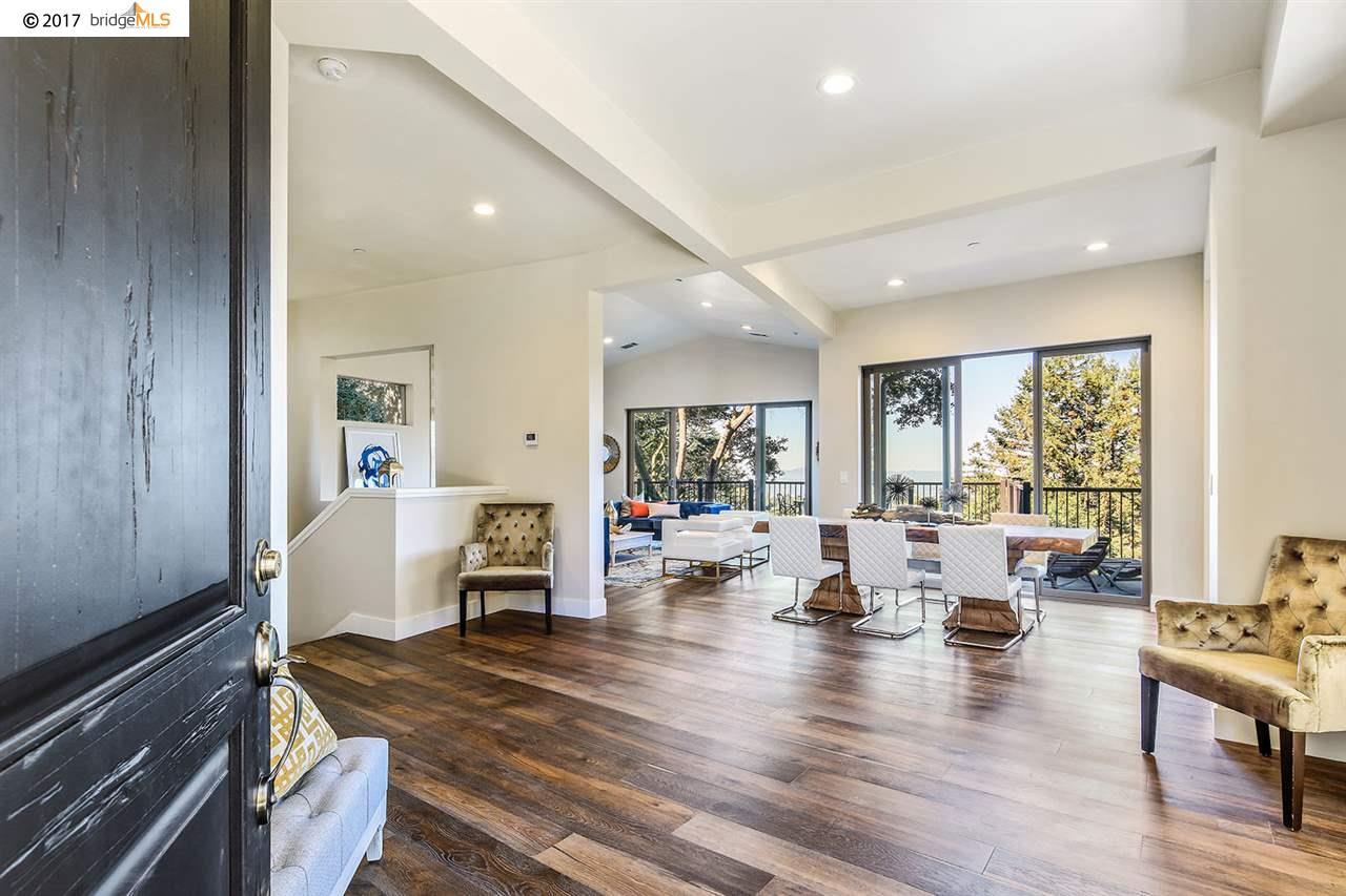 獨棟家庭住宅 為 出售 在 6011 Chelton Drive 6011 Chelton Drive Oakland, 加利福尼亞州 94611 美國
