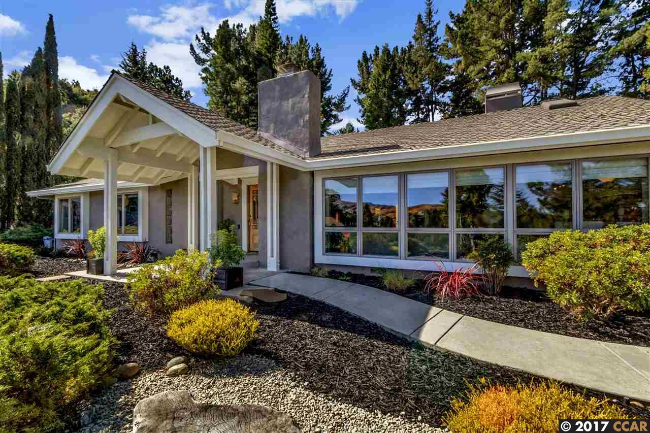 Maison unifamiliale pour l Vente à 22 Del Rio Court 22 Del Rio Court Moraga, Californie 94556 États-Unis