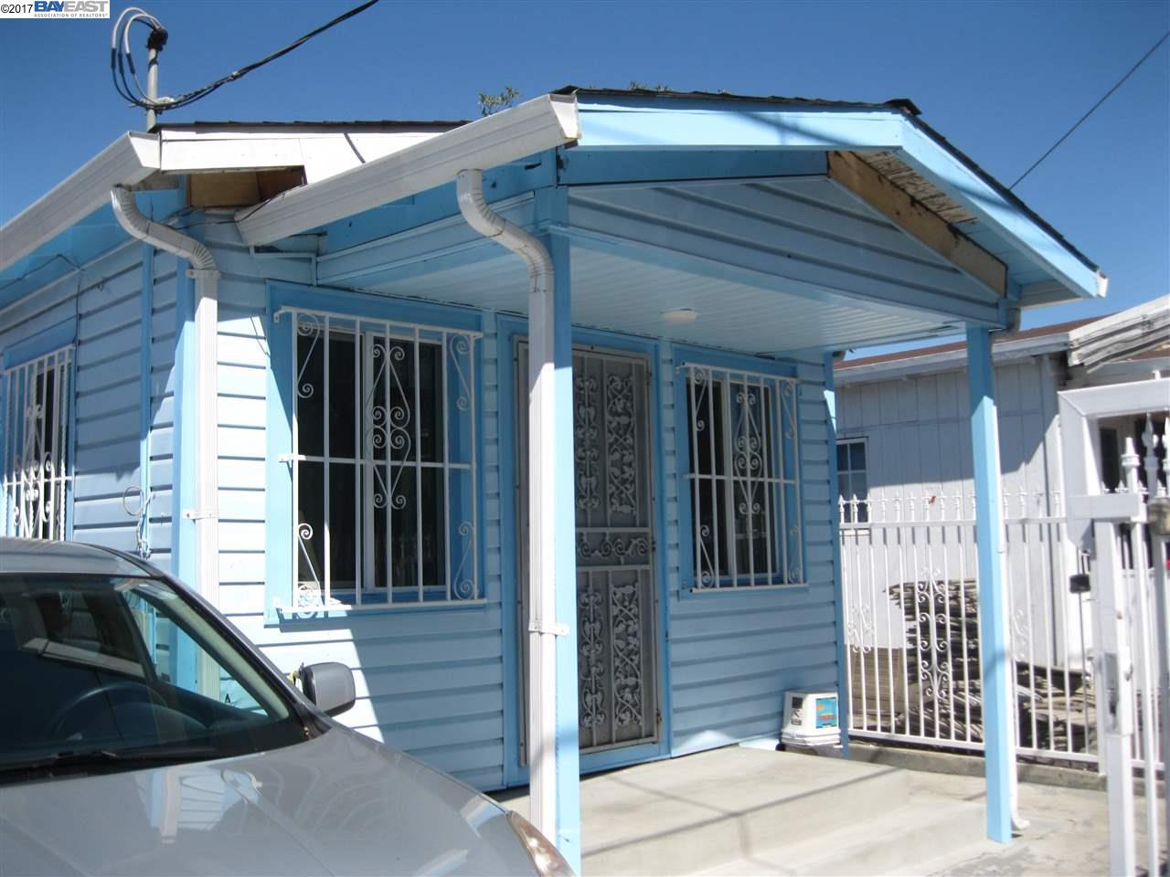 واحد منزل الأسرة للـ Sale في 1059 70Th Avenue 1059 70Th Avenue Oakland, California 94621 United States