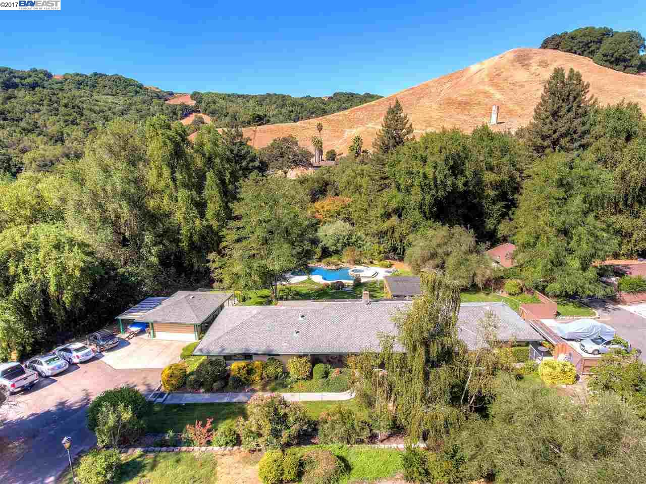 Multi-Family Home for Sale at 9556 Crow Canyon Road 9556 Crow Canyon Road Castro Valley, California 94552 United States
