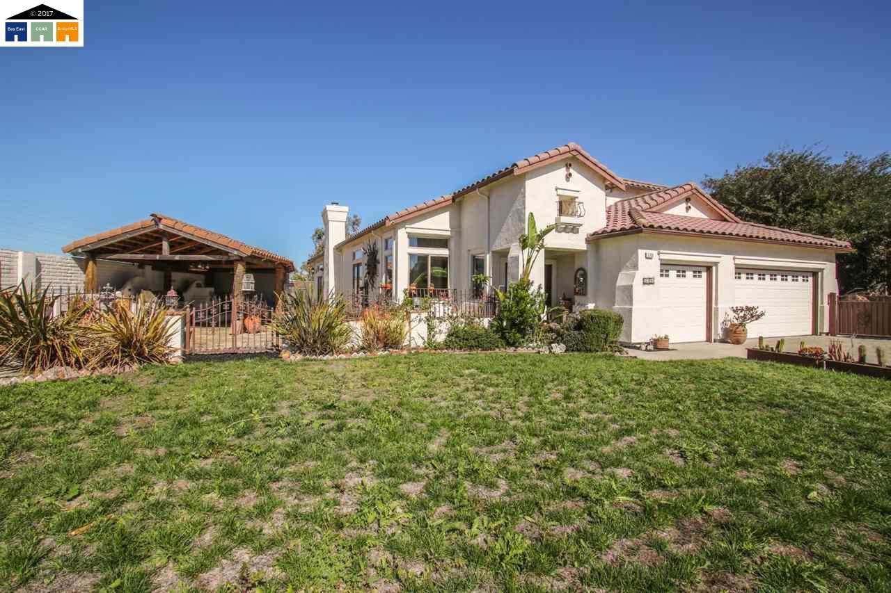 Casa Unifamiliar por un Venta en 5709 Del Monte Court 5709 Del Monte Court Union City, California 94587 Estados Unidos