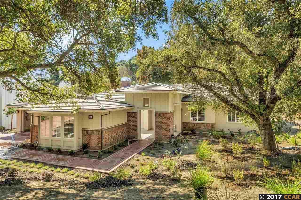 Casa Unifamiliar por un Venta en 118 Sleepy Hollow Lane 118 Sleepy Hollow Lane Orinda, California 94563 Estados Unidos