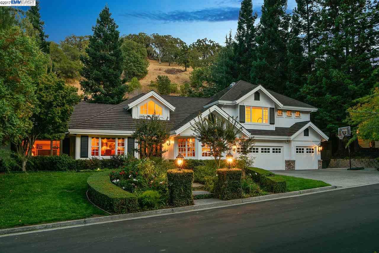獨棟家庭住宅 為 出售 在 3455 STAGE COACH DRIVE 3455 STAGE COACH DRIVE Lafayette, 加利福尼亞州 94549 美國