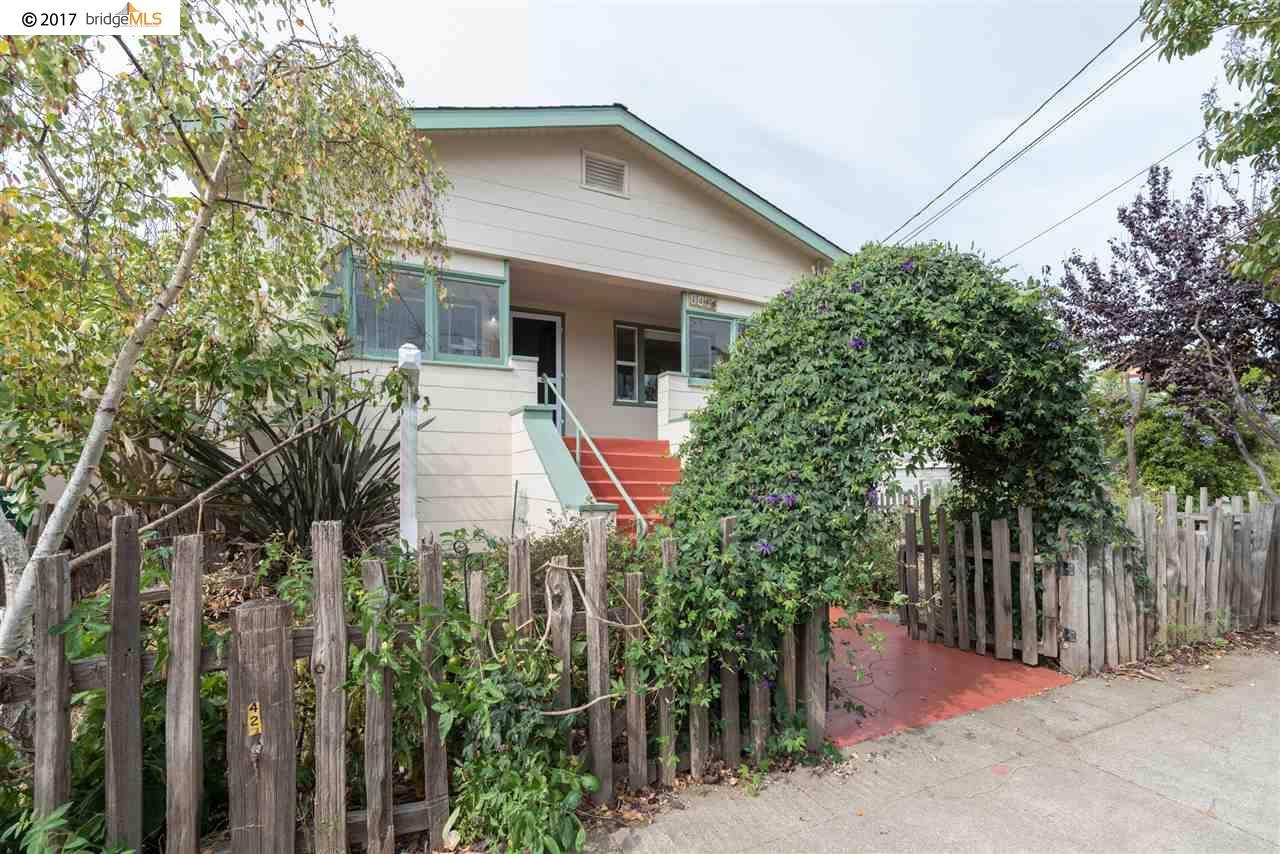 واحد منزل الأسرة للـ Sale في 1048 Cornell Avenue 1048 Cornell Avenue Albany, California 94706 United States