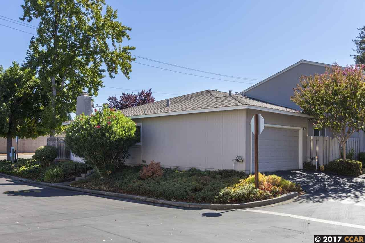 Townhouse for Sale at 101 Westfield Circle 101 Westfield Circle Danville, California 94526 United States
