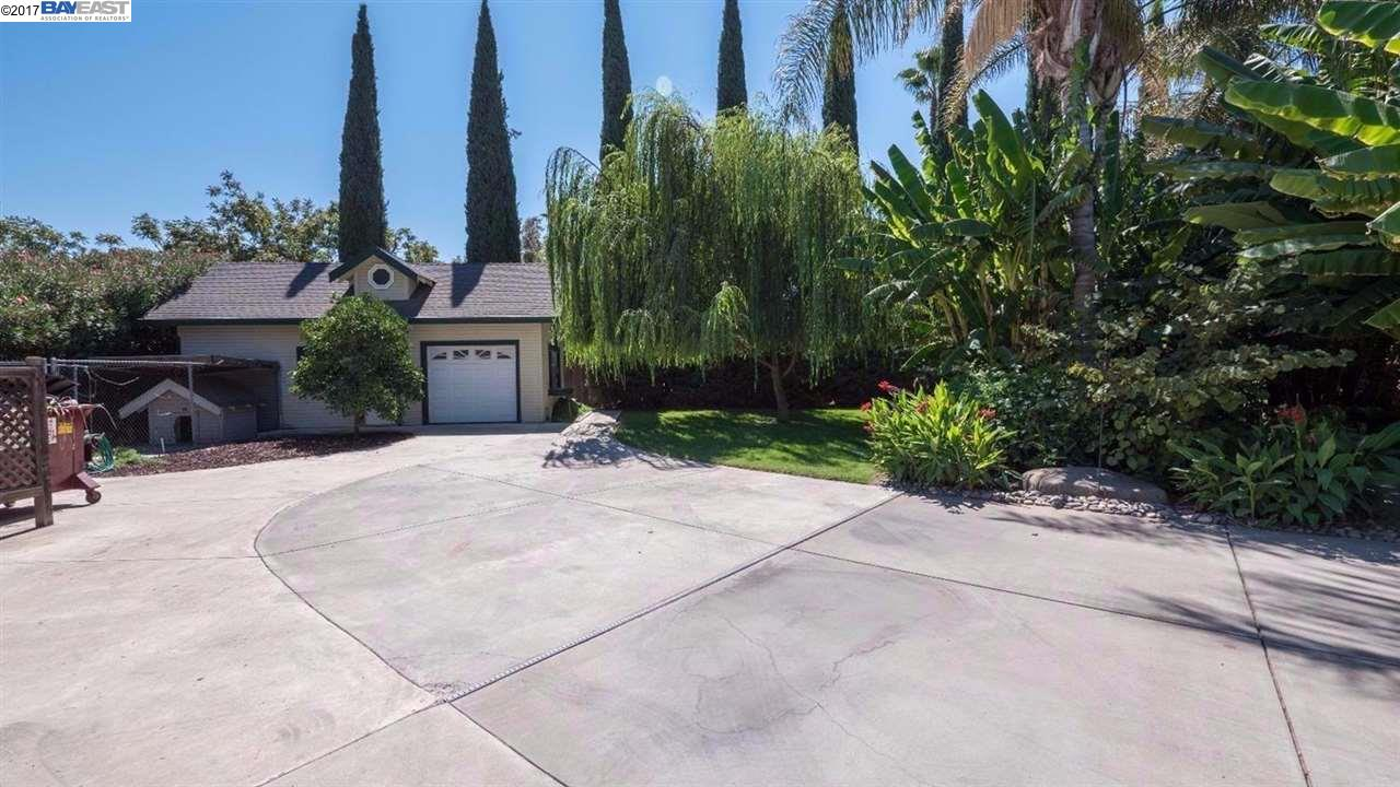Additional photo for property listing at 7700 Hillview Court 7700 Hillview Court Tracy, California 95304 United States