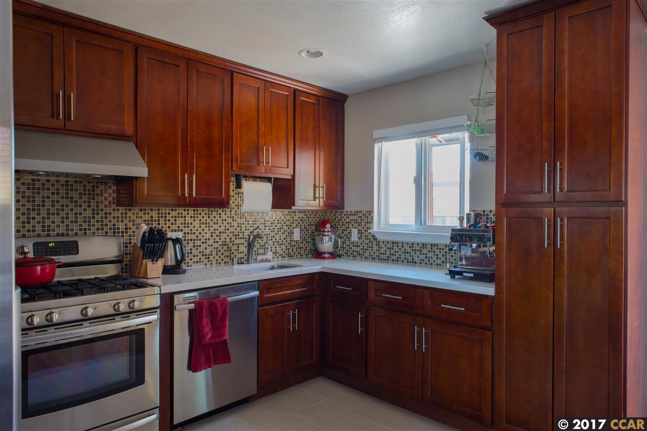 واحد منزل الأسرة للـ Sale في 2465 Frieda Court 2465 Frieda Court San Pablo, California 94806 United States