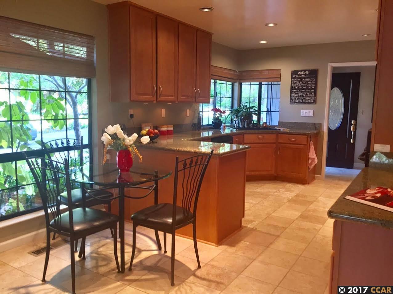 واحد منزل الأسرة للـ Sale في 1460 Linton Terrace 1460 Linton Terrace Martinez, California 94553 United States