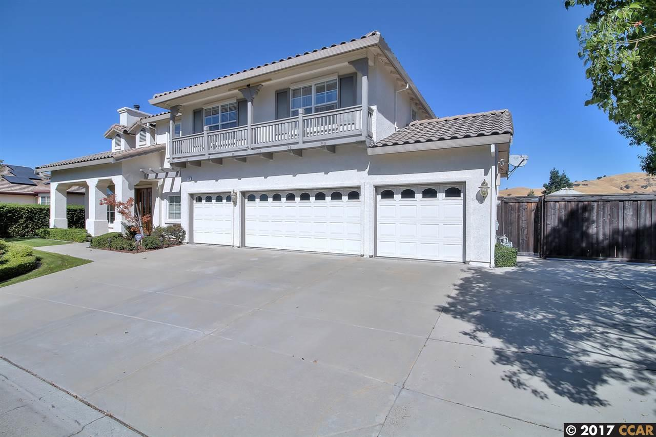 Single Family Home for Sale at 119 Forest Hill Drive 119 Forest Hill Drive Clayton, California 94517 United States