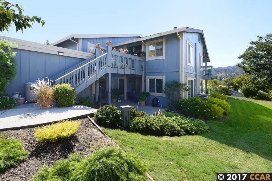 شقة بعمارة للـ Sale في 2642 Saklan Indian Drive 2642 Saklan Indian Drive Walnut Creek, California 94595 United States