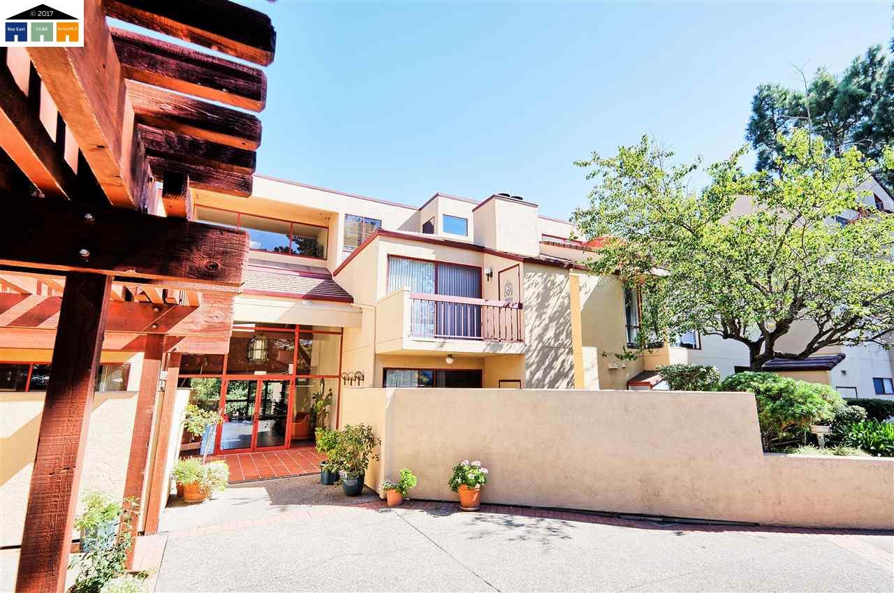 شقة بعمارة للـ Sale في 25912 Hayward Blvd 25912 Hayward Blvd Hayward, California 94542 United States
