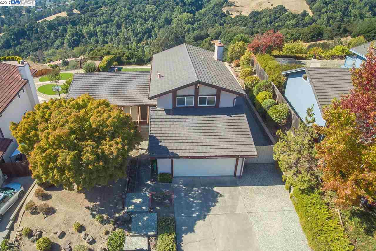 Single Family Home for Sale at 18721 W Cavendish Drive 18721 W Cavendish Drive Castro Valley, California 94552 United States