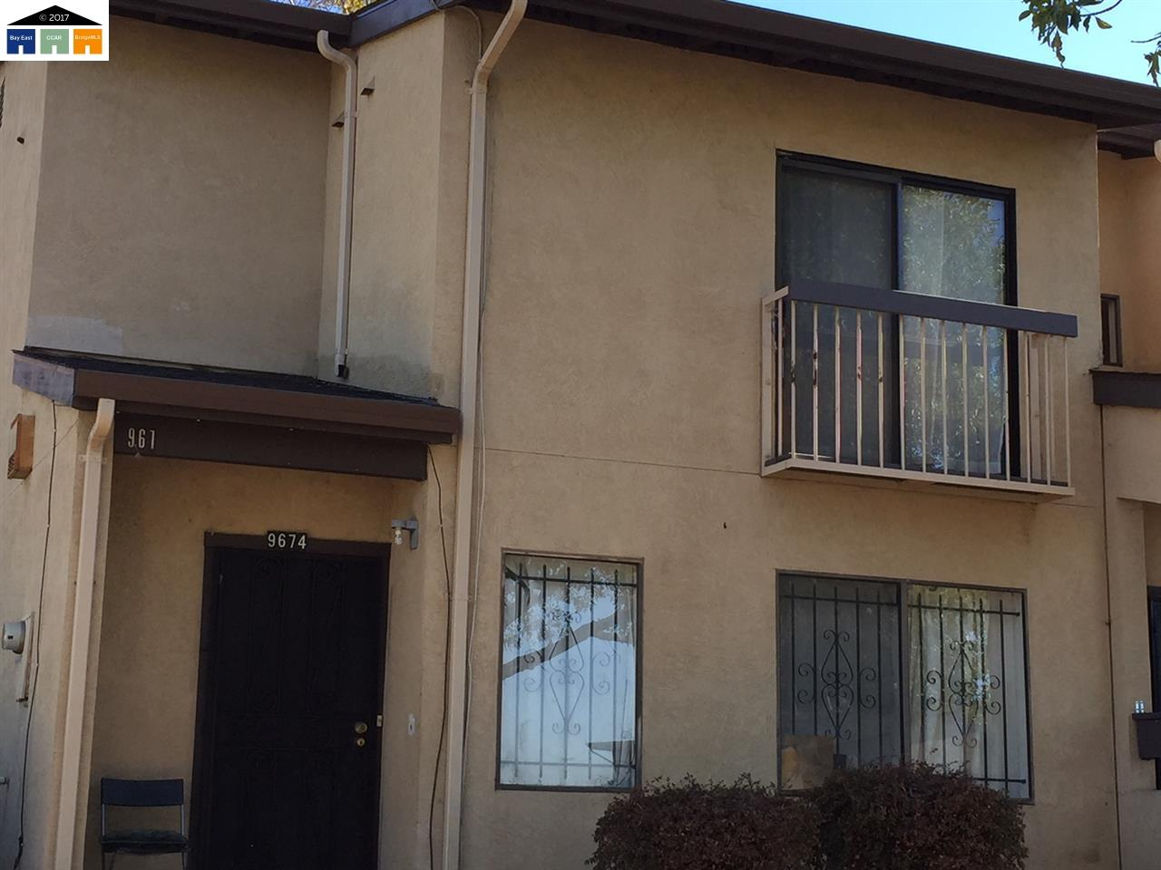 Townhouse for Sale at 9674 Elmview Drive 9674 Elmview Drive Oakland, California 94603 United States