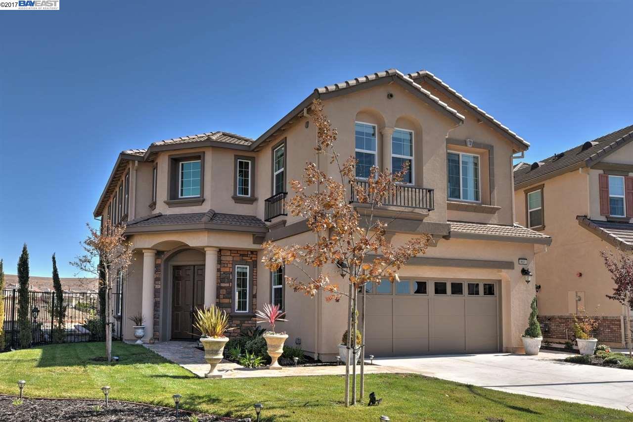 獨棟家庭住宅 為 出售 在 9691 Zac Court 9691 Zac Court Dublin, 加利福尼亞州 94568 美國