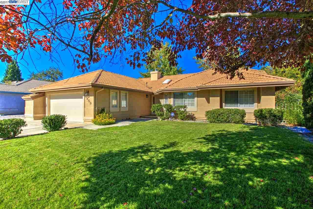 獨棟家庭住宅 為 出售 在 3959 Eagle Pkwy 3959 Eagle Pkwy Redding, 加利福尼亞州 96001 美國