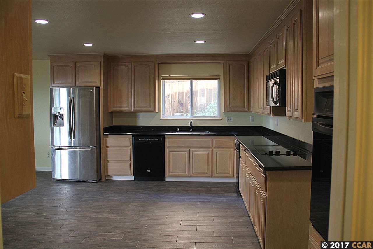 Частный односемейный дом для того Аренда на 3200 View Drive 3200 View Drive Antioch, Калифорния 94509 Соединенные Штаты