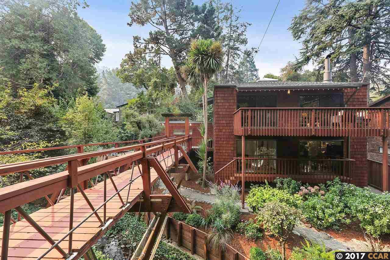 獨棟家庭住宅 為 出售 在 145 Duncan Way 145 Duncan Way Oakland, 加利福尼亞州 94611 美國