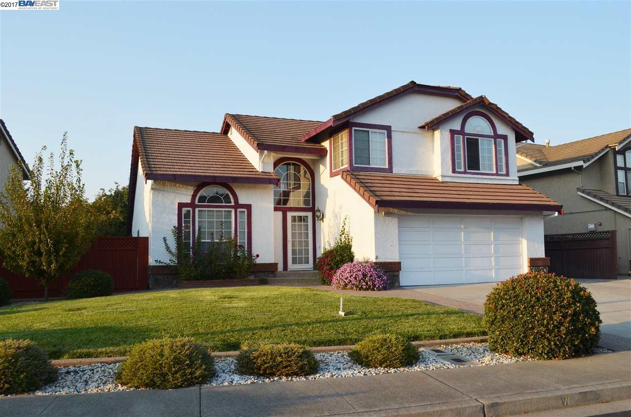 Частный односемейный дом для того Продажа на 1727 White Oak Lane 1727 White Oak Lane Union City, Калифорния 94587 Соединенные Штаты