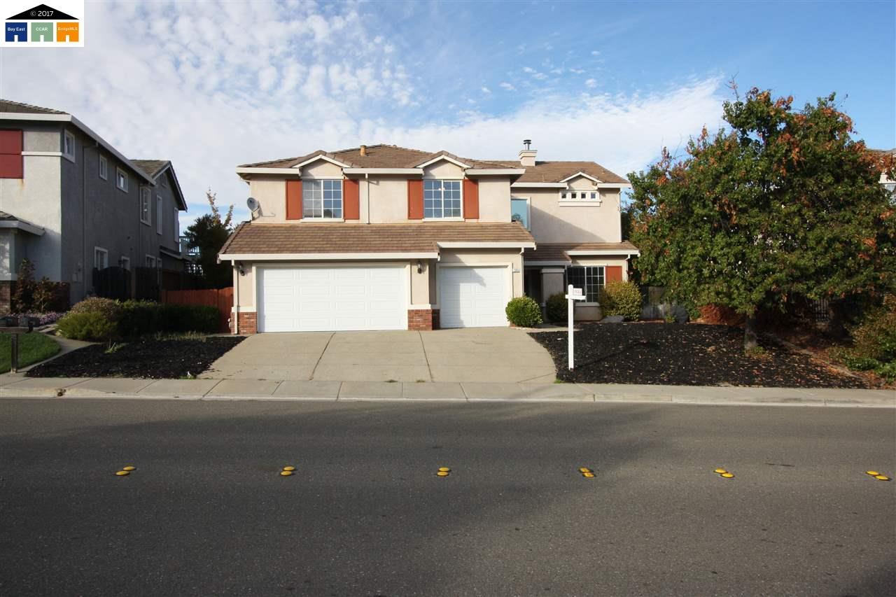واحد منزل الأسرة للـ Sale في 1345 Mokelumne Drive 1345 Mokelumne Drive Antioch, California 94531 United States