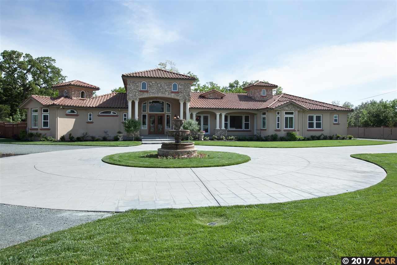 واحد منزل الأسرة للـ Sale في 5530 Johnston Road 5530 Johnston Road Danville, California 94506 United States