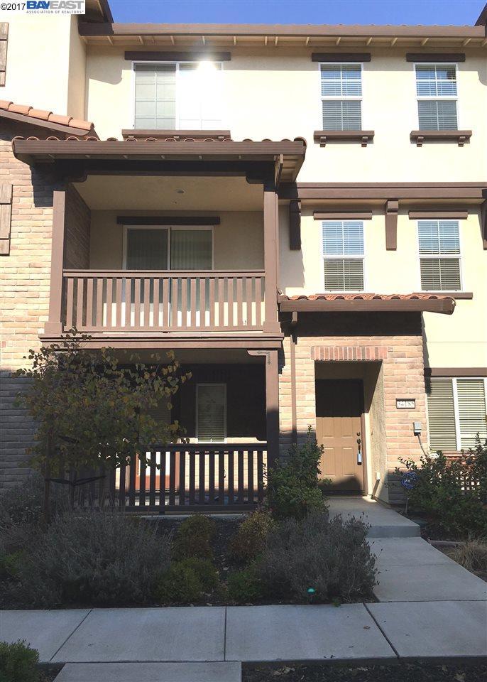 Appartement en copropriété pour l Vente à 34185 Firenze Ter 34185 Firenze Ter Fremont, Californie 94555 États-Unis