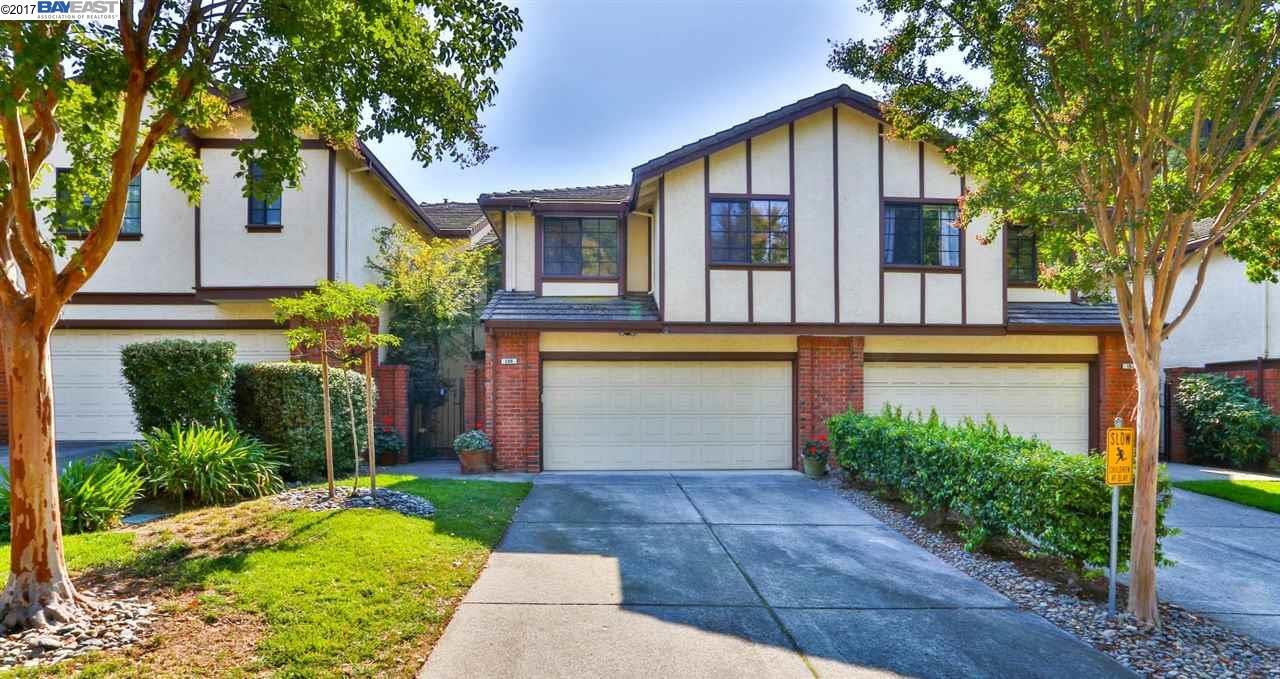 Casa unifamiliar adosada (Townhouse) por un Venta en 108 Canyon Green Place 108 Canyon Green Place San Ramon, California 94582 Estados Unidos
