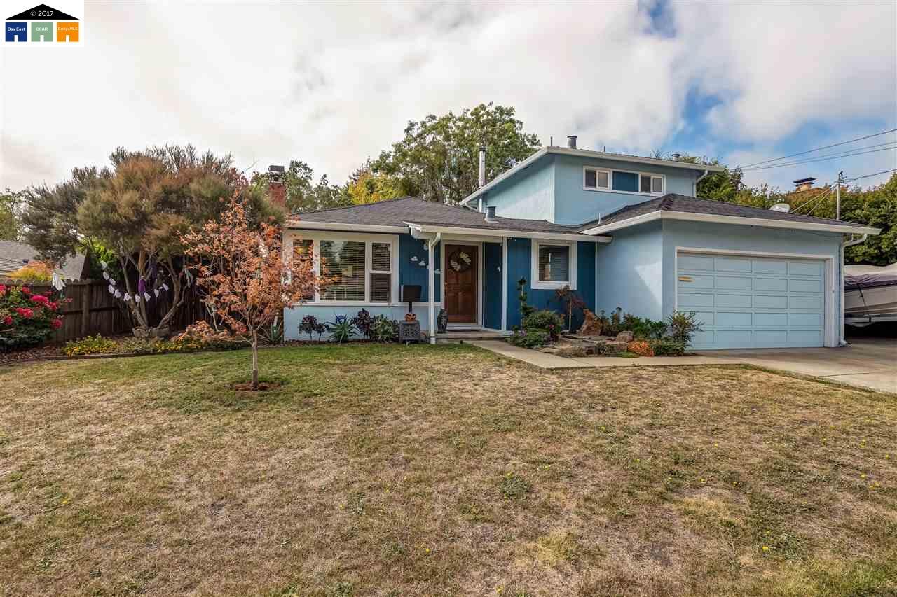 Casa Unifamiliar por un Venta en 4484 Whitecliff Way 4484 Whitecliff Way Richmond, California 94803 Estados Unidos