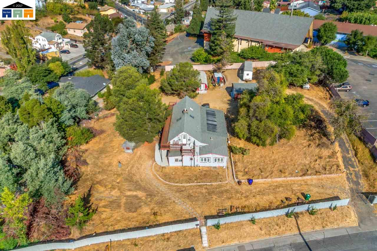 Single Family Home for Sale at 618 Appian Way 618 Appian Way El Sobrante, California 94803 United States