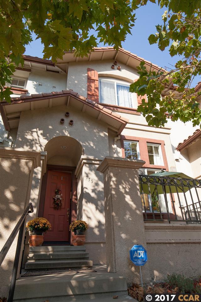 Appartement en copropriété pour l Vente à 159 San Luis Obispo Street 159 San Luis Obispo Street San Pablo, Californie 94806 États-Unis