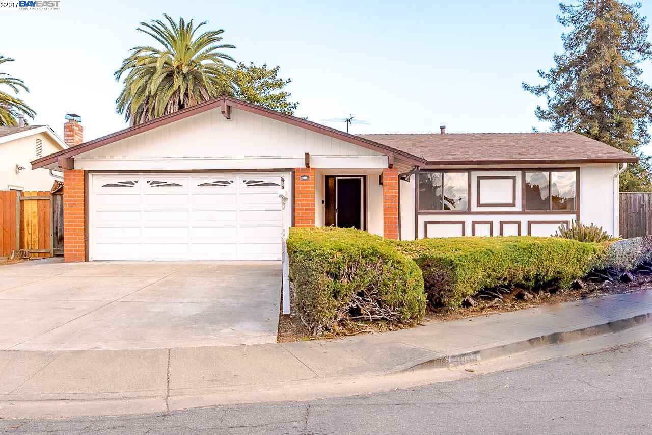 Частный односемейный дом для того Продажа на 3068 Paine Court 3068 Paine Court Fremont, Калифорния 94555 Соединенные Штаты