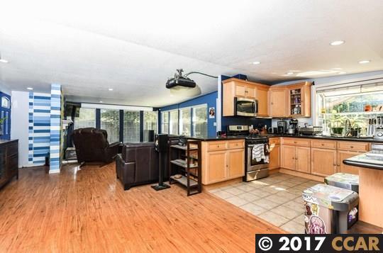 Casa Unifamiliar por un Venta en 207 Patrick Drive 207 Patrick Drive Pacheco, California 94553 Estados Unidos