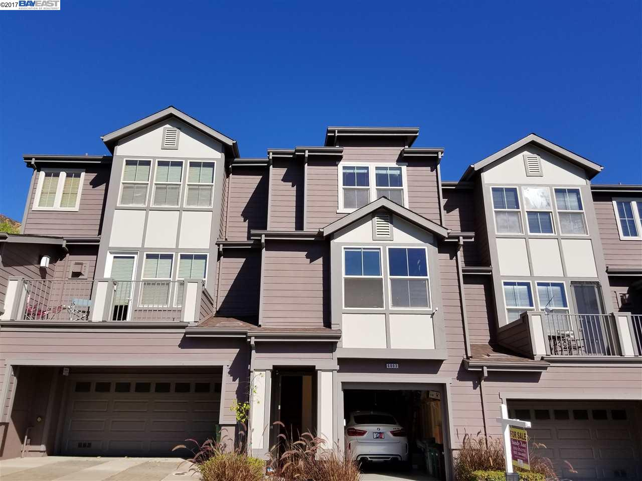 Townhouse for Sale at 6003 Old Quarry Loop 6003 Old Quarry Loop Oakland, California 94605 United States