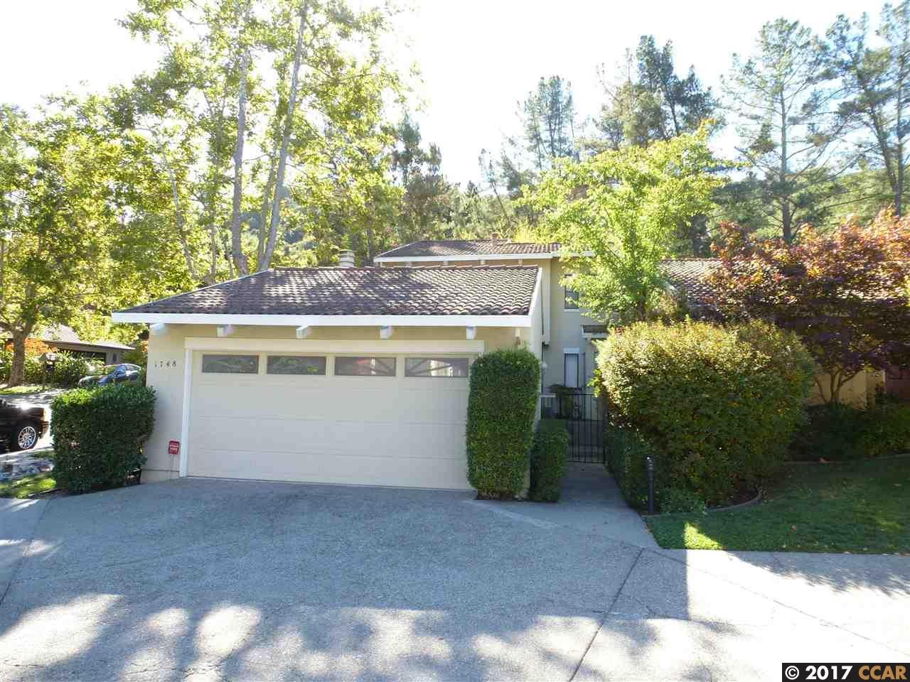 タウンハウス のために 売買 アット 1748 Saint Andrews Drive 1748 Saint Andrews Drive Moraga, カリフォルニア 94556 アメリカ合衆国