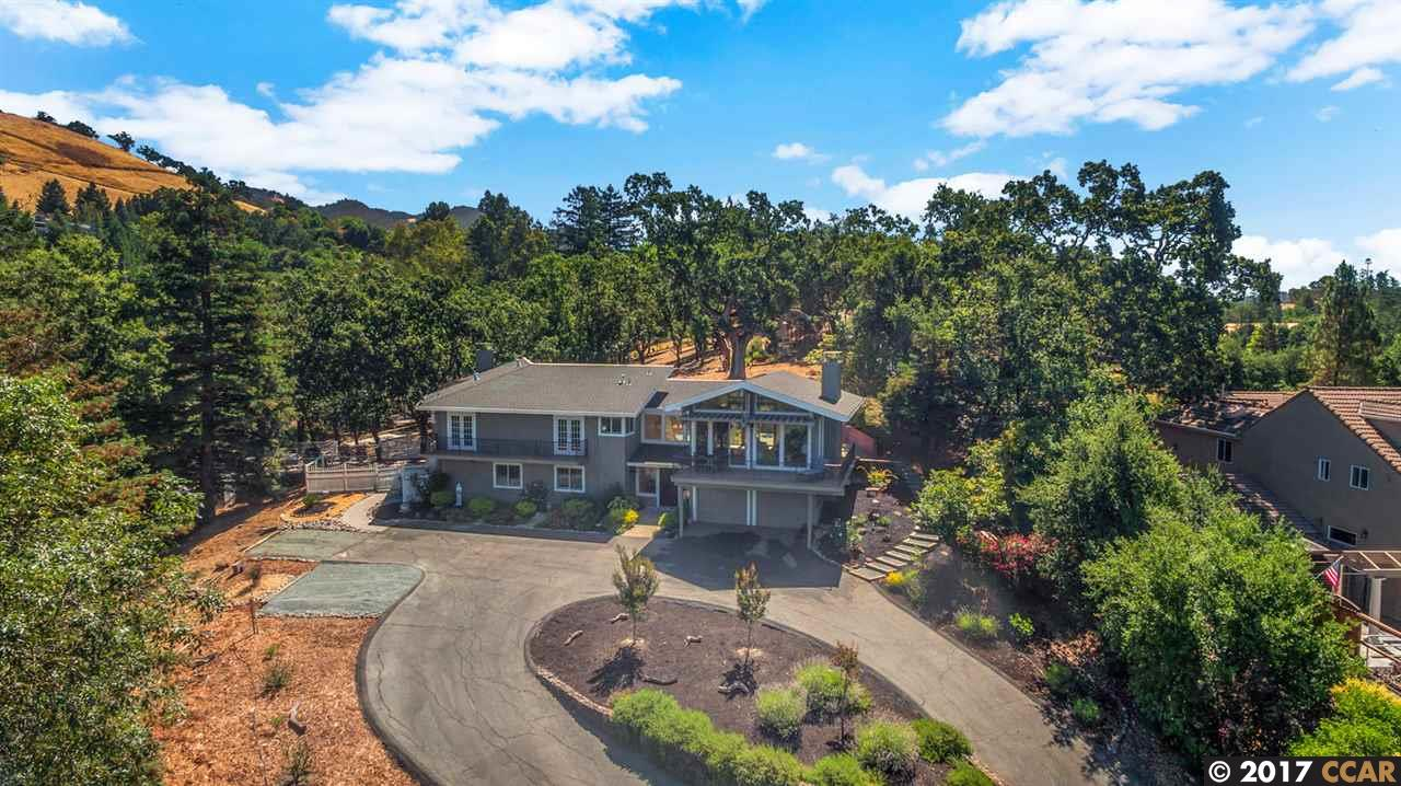 獨棟家庭住宅 為 出售 在 1828 EL NIDO 1828 EL NIDO Diablo, 加利福尼亞州 94528 美國