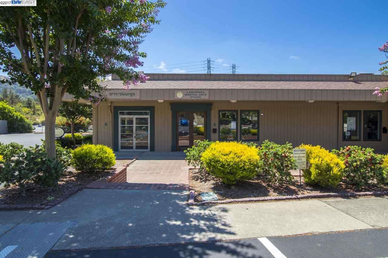 Casa Unifamiliar por un Alquiler en 1 Orinda Way 1 Orinda Way Orinda, California 94563 Estados Unidos