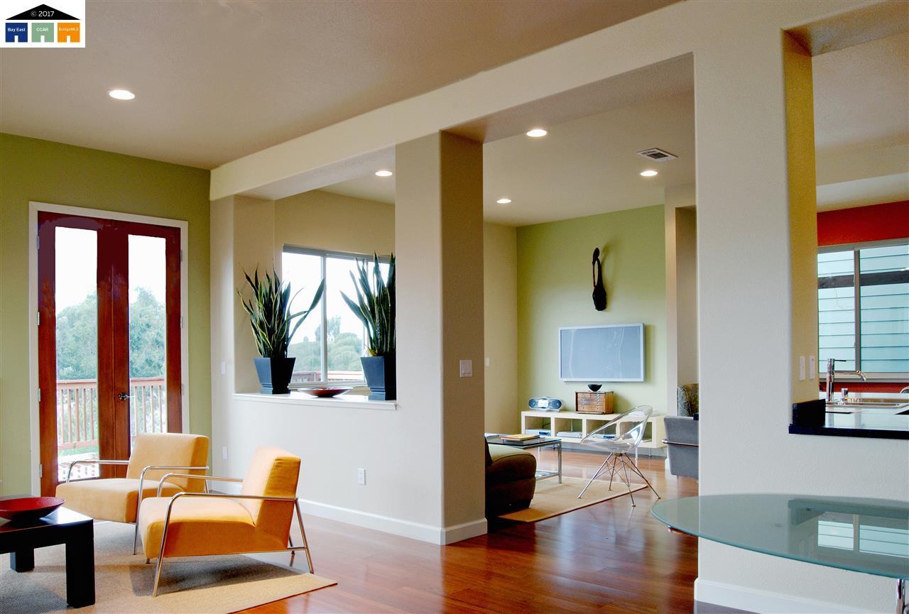 Casa Unifamiliar por un Venta en 601 Maiden Lane 601 Maiden Lane Pinole, California 94564 Estados Unidos