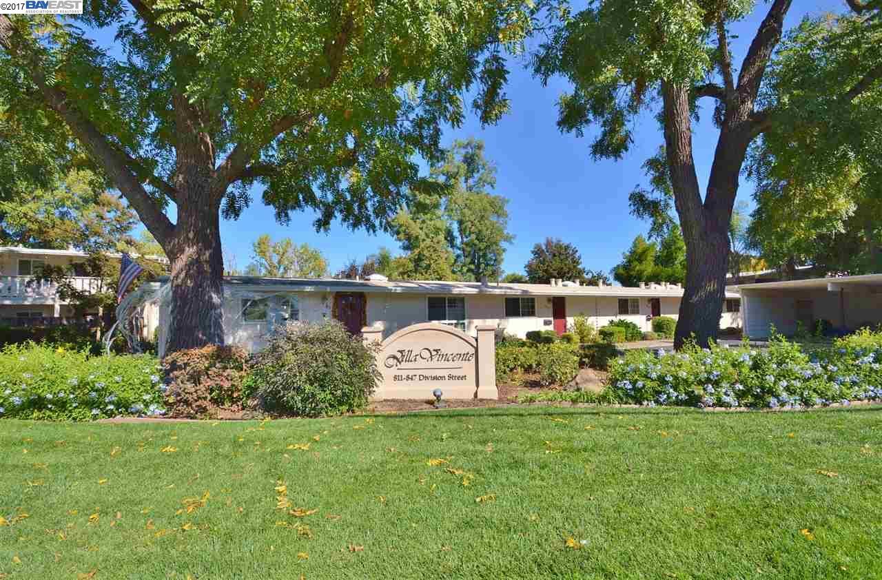 Кондоминиум для того Продажа на 843 Division Street 843 Division Street Pleasanton, Калифорния 94566 Соединенные Штаты