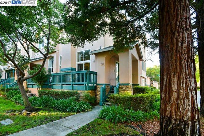 タウンハウス のために 売買 アット 1095 Dolphin Cmn 1095 Dolphin Cmn Fremont, カリフォルニア 94536 アメリカ合衆国