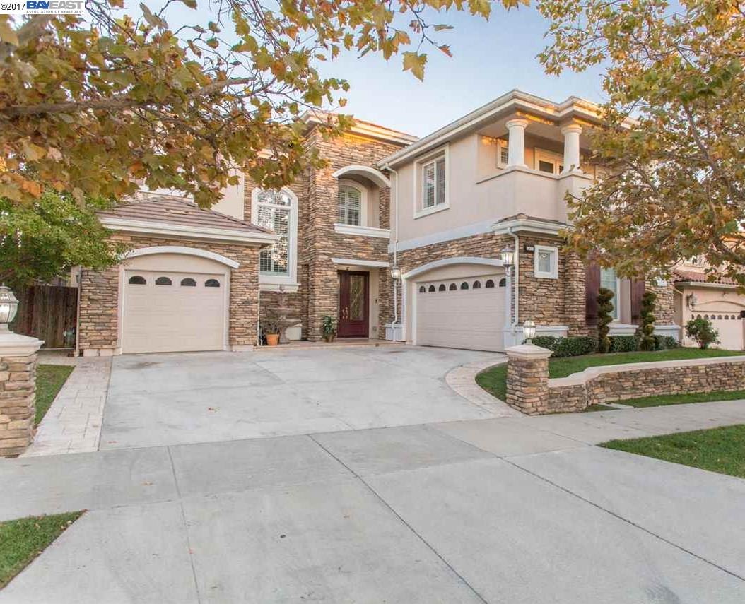 Частный односемейный дом для того Продажа на 5451 Signal Hill Drive 5451 Signal Hill Drive Dublin, Калифорния 94568 Соединенные Штаты