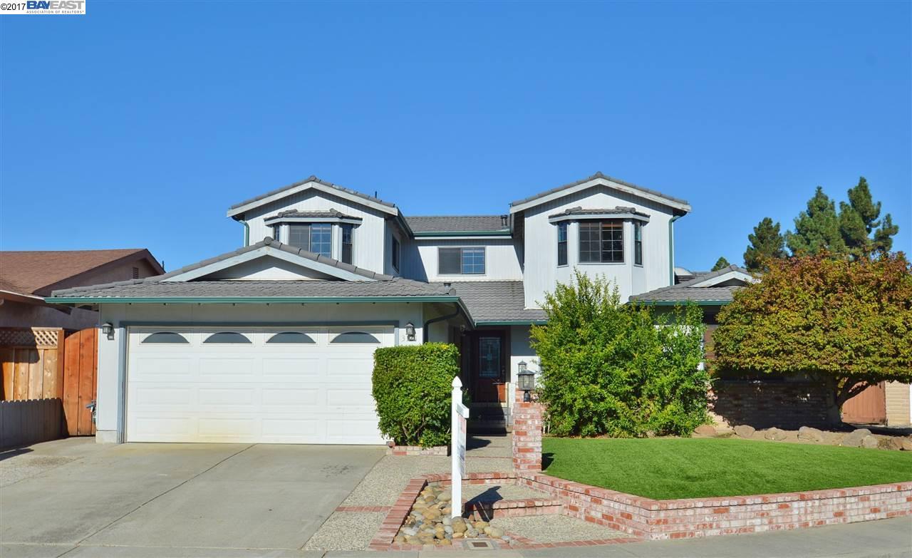 Maison unifamiliale pour l Vente à 3121 Mackenzie Place 3121 Mackenzie Place Fremont, Californie 94536 États-Unis