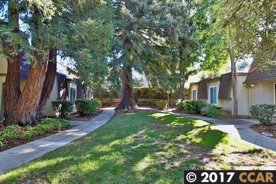 Maison accolée pour l Vente à 1531 Schenone Court 1531 Schenone Court Concord, Californie 94521 États-Unis