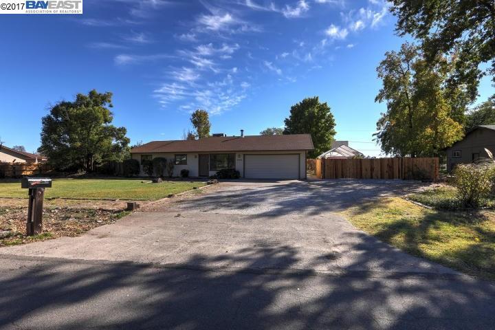 واحد منزل الأسرة للـ Sale في 21933 Berkeley Drive 21933 Berkeley Drive Palo Cedro, California 96073 United States