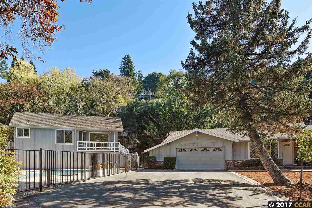 واحد منزل الأسرة للـ Sale في 18 Hall Drive 18 Hall Drive Orinda, California 94563 United States